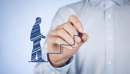 Actualmente las empresas están cambiando, en su estructura y en la forma de crecer, debes contar con crecimiento laboralya no es suficiente la antigüedad.